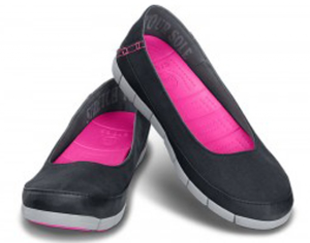 f278bb1ad35 Crocs Women Stretch Sole Flat čierne - YACHTERSHOP.sk